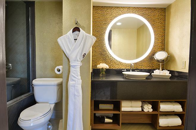 Hotel Angeleno Bathroom