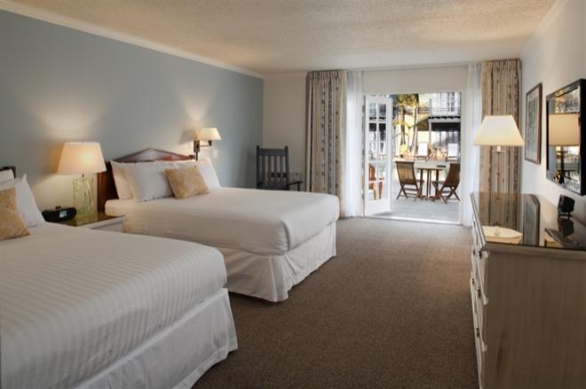 Lafayette Hotel San Diego Poolside Room
