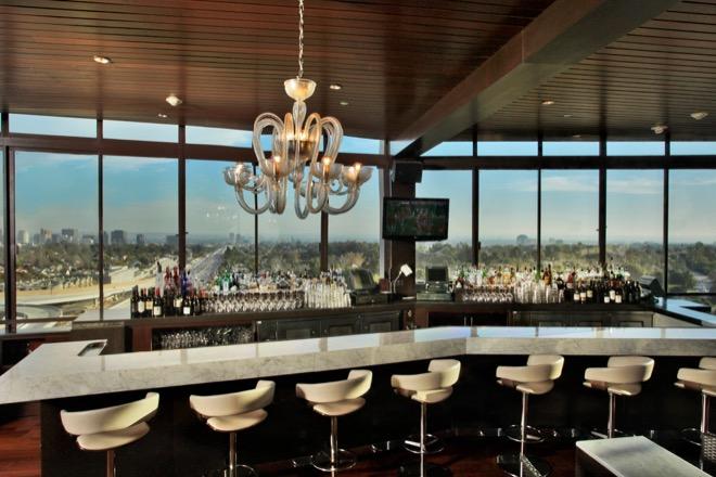 West Restaurant Lounge