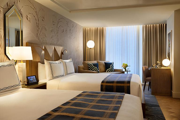 EXchange Hotel Vancouver Superior 2 Queens Room