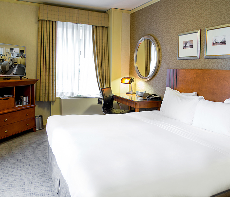 Executive Hotel Pacific King Room