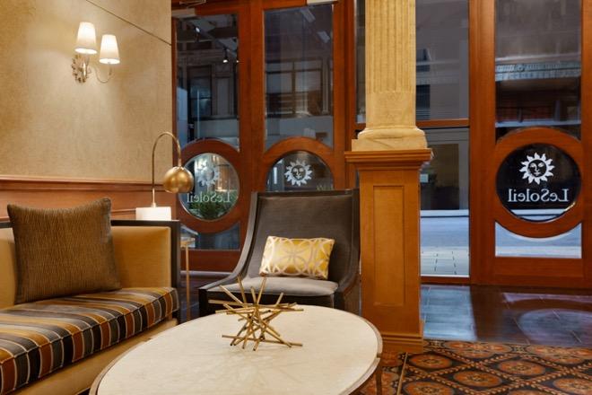 Executive Hotel Le Soleil Lobby