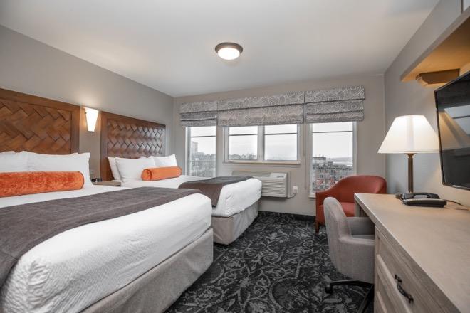 Mediterrantean Inn Seattle Two Double Bed Room